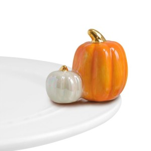 Nora-Fleming-Pumpkin-Spice-Mini-Charm-root-A02NORA_A02NORA_1470_1.jpg_Source_Image